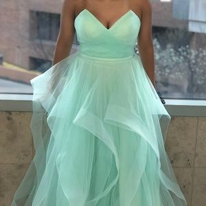 Prom dress/Formal gown